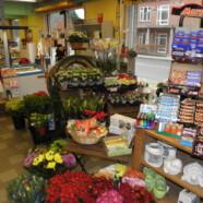 Hos Conny´s blomster i Skelund kan du købe blomster og meget mere